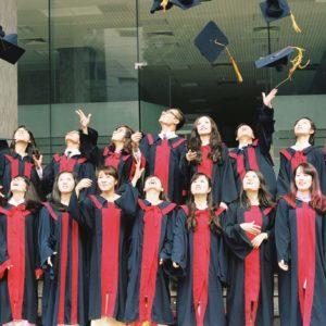 graduation_t20_yXvabO